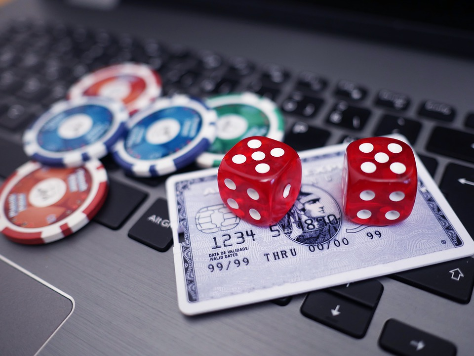 The way of choosing the easy and fast dominoqq online gambling site