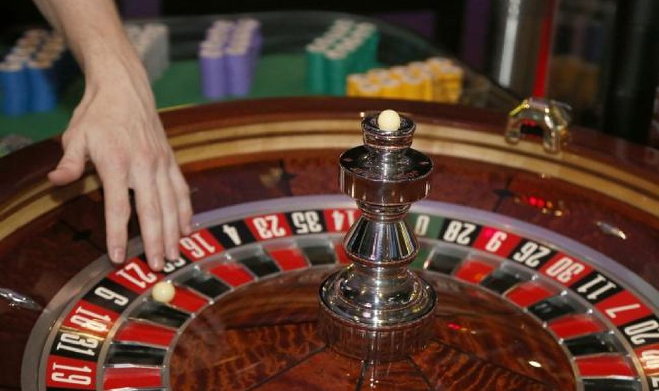 Ought To Fixing Online Gambling Take 4 Steps?